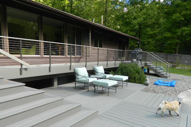 Cable Railing on Backyard Deck